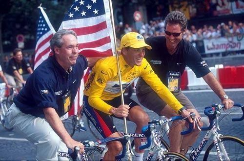 Дымовая завеса. Кто покрывал Армстронга?