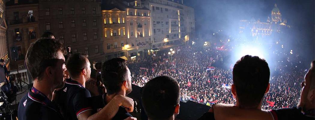 По 20 тысяч болельщиков встретили финалистов Евробаскета в Любляне и Белграде