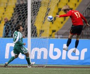 Милош Красич забивает первый гол в ворота «Томи»