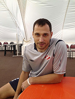Алексей Зуев: «Я сам иногда над своими песнями плачу»