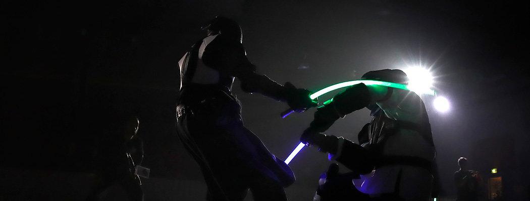Поединки на световых мечах признали новым видом спорта во Франции. Это не шутка