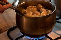 Комментатор матча «Торино» – «Специя» заскучал – и начал делиться рецептами. Рассказал, как готовить пельмени, доширак и картошку
