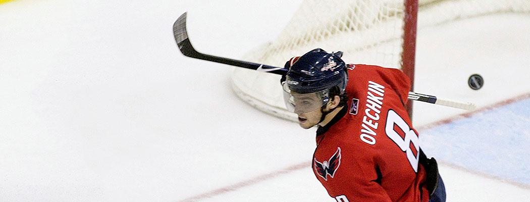 «Голы в пустые ворота – это для гомосеков». Кто так забивал в НХЛ чаще всех