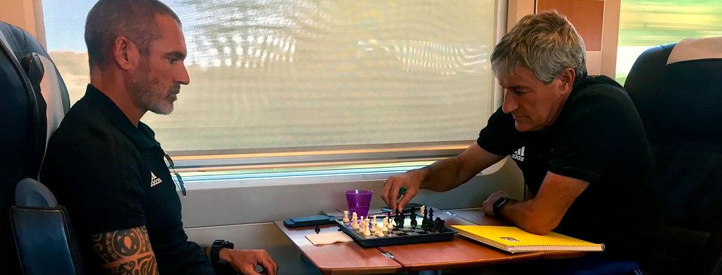 Тренер прекрасного «Бетиса» влюблен в шахматы: назвал Модрича ферзем и играл с Каспаровым