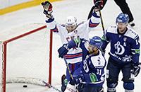 Главный хоккейный матч месяца в картинках