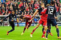 Лучшие кадры четвертьфиналов среды в Лиге чемпионов