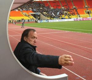 «Адвокат заслужил почетную премию «Футбольная Динама»