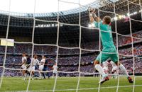 Равнение на середину. Фото матча Франция – Англия