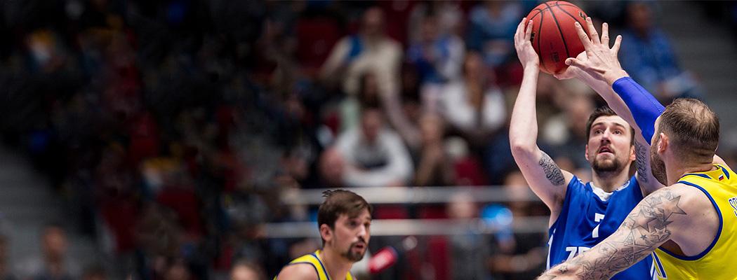 Швед vs Карасев. Первое русское противостояние в нашем баскетболе