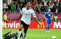 Капитан и очевидность. Фото матча Германия – Греция