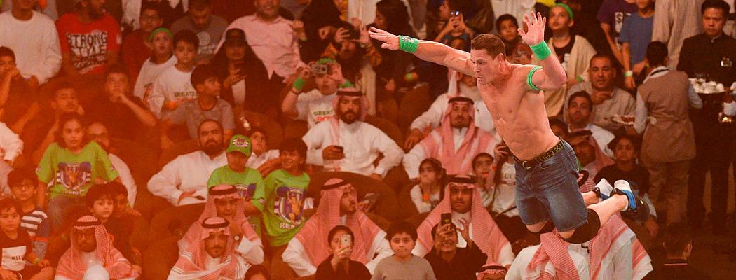 На рестлинге в Саудовской Аравии собралось 60 тысяч зрителей. Невероятно