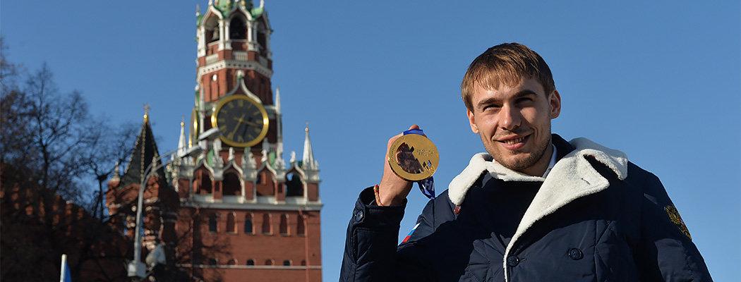 Шипулин идет в Госдуму. Еще в декабре он катался на лыжах