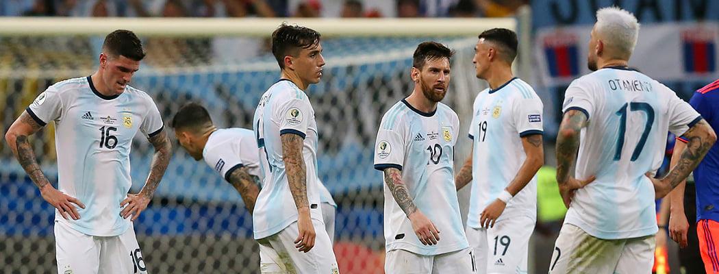 Аргентина проиграла на старте Кубка Америки впервые с 1979-го: Барриос задавил Месси, у Куна 0 ударов в створ