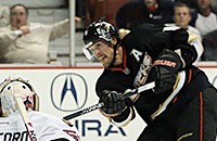 16 лучших бомбардиров в истории НХЛ