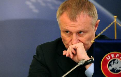 «Затащить в Украину Евро было сложнее, чем отбить один вердикт». Обзор украинской прессы