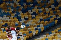 Все ушли на фронт. Как выглядит украинский футбол при пустых трибунах