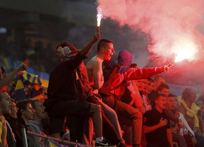 «Вы что, хотите, чтобы нас вообще для международных матчей закрыли?». Обзор украинской прессы