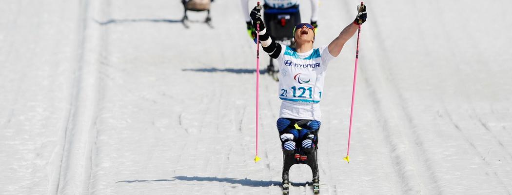 7 лет в украинском детдоме и ампутация ног к 13. Она выиграла Паралимпиаду для США