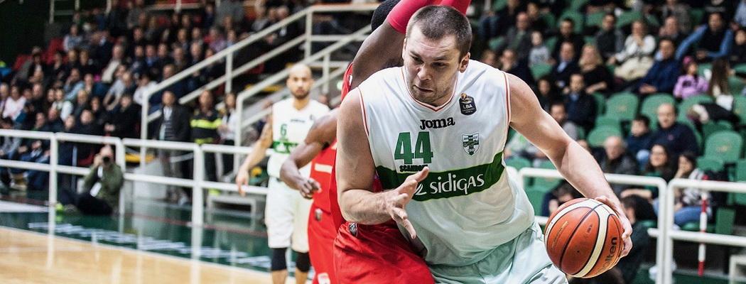 Кирилл Фесенко: «Бывало, и напивался. Меня штрафовали за это, я ссорился с партнерами»